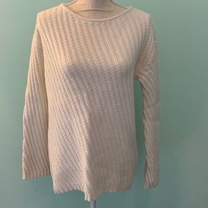 Ann Taylor Sweater size Small